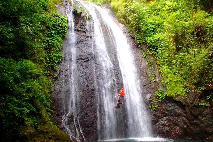 Один из 7 водопадов Тибиао